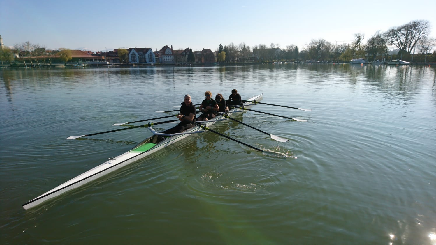 Rennboot 4